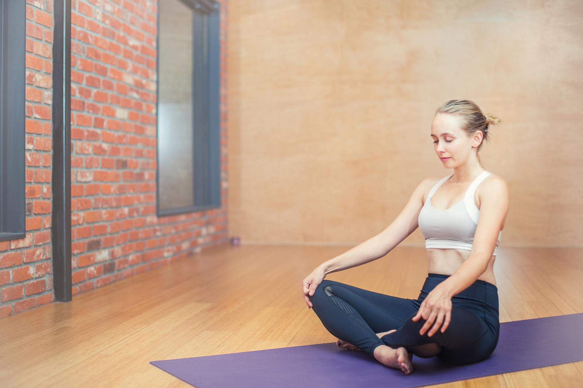 que es yoga restaurativo